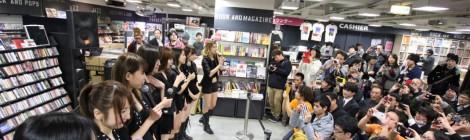 CANDY GO!GO!メジューデビューシングル『overdrive/大切なお知らせ』が、オリコンデイリーチャートで4位を獲得!!。現在のCANDY GO!GO!の魅力をメンバーが激白?!?!?!