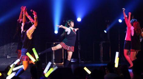 萌えこれ学園、赤坂BLITZ単独公演で目標達成ならずも、追試公演が決定。「この熱気が一人でも多くの人たちに伝われば、何時か武道館の夢は叶う」。14人で誓い合ったBLITZ公演。
